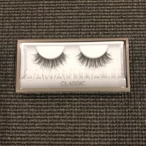HUDA BEAUTY Classic Synthetic Lashes in Samantha